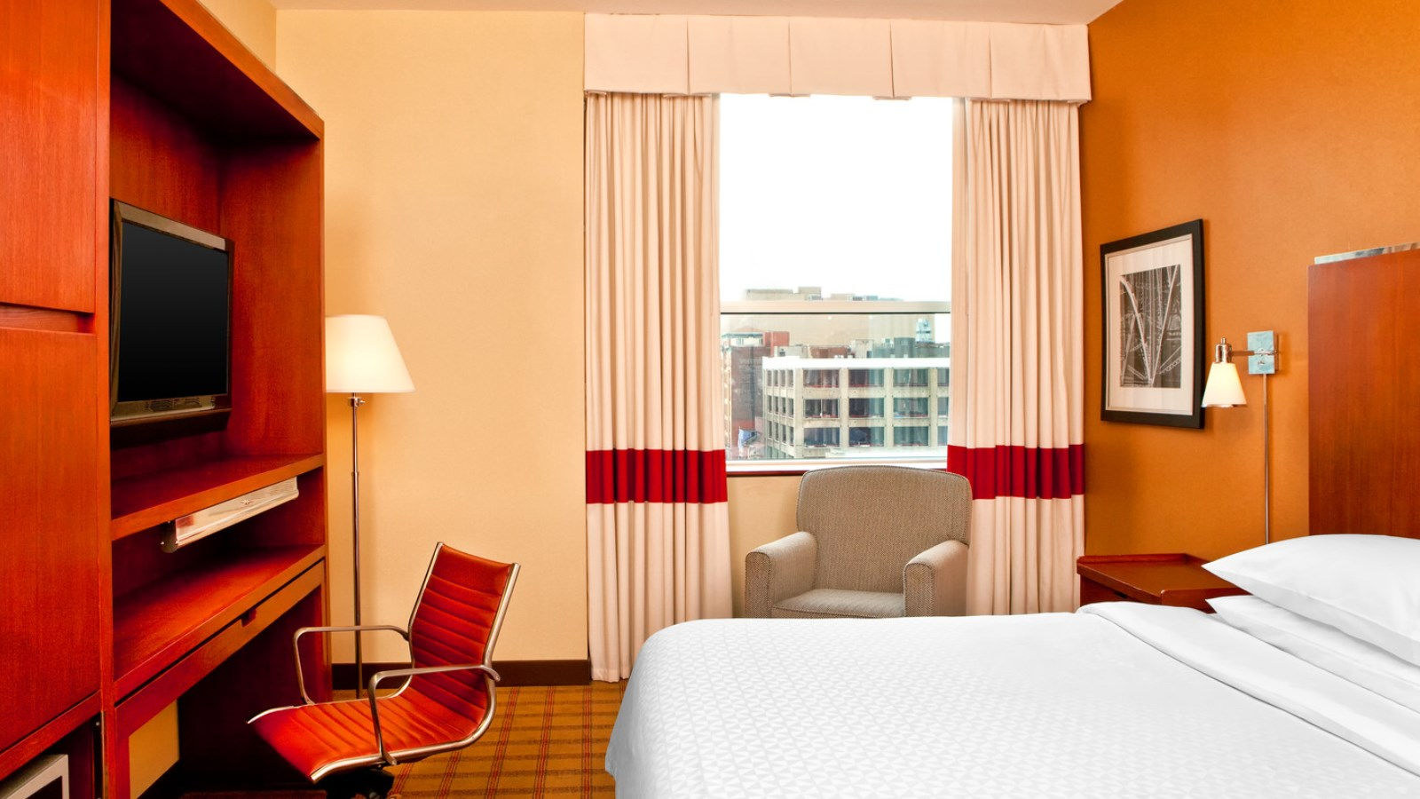 Philadelphia Accommodations - Accessible King Room